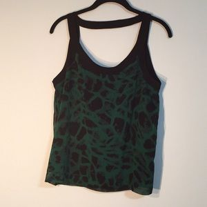 Kensie green techno pattern tank top back detail M